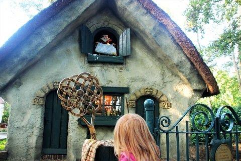 Frau Holle mussten wir gefühlt 10 Mal anschauen - die Motte war begeistert...