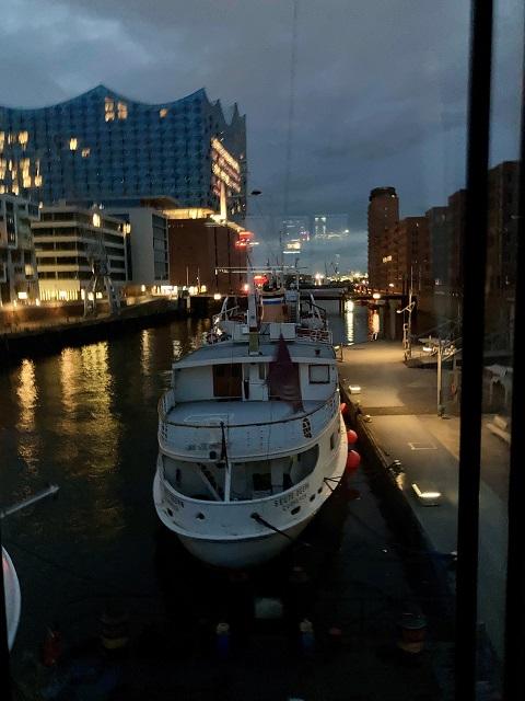 Übernachten im Hafenkran Hamburg